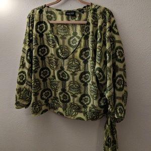 Womens XL Shirt